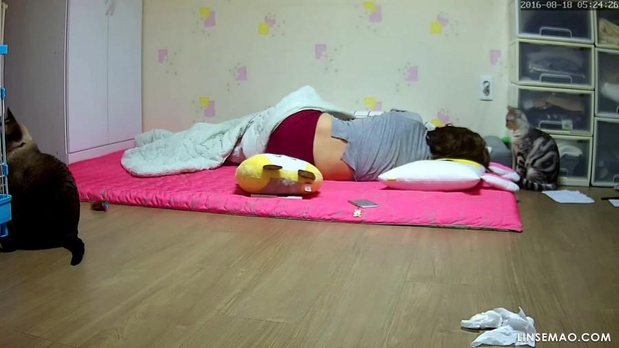 入侵家庭监控摄像头: 韩国美女非常性饥渴, 自慰3次高潮后还没满足