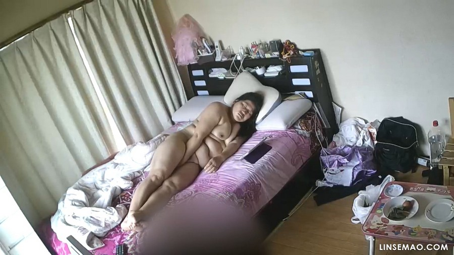 入侵家庭监控摄像头: 韩国熟女自慰2个片段