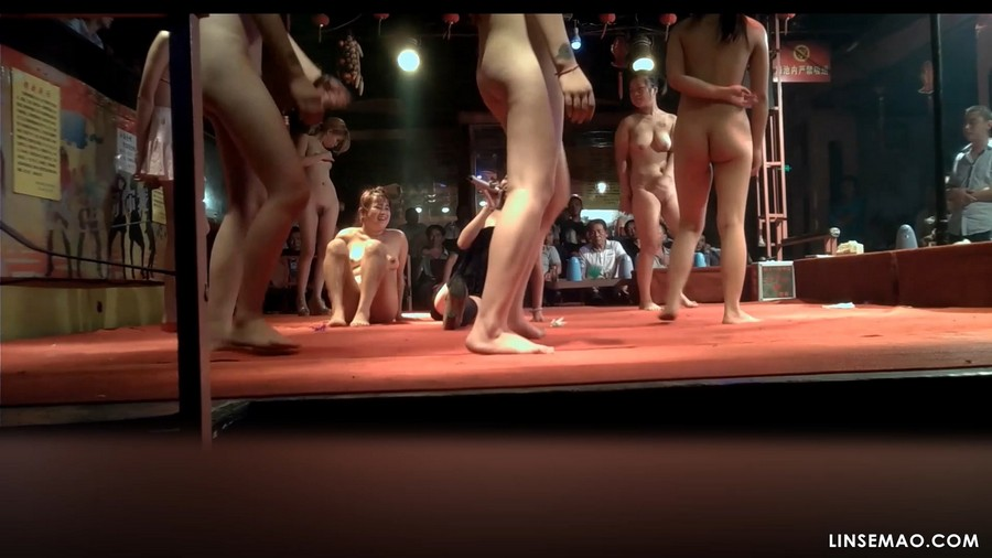 隐藏摄像: 偷录中国县城的脱衣舞
