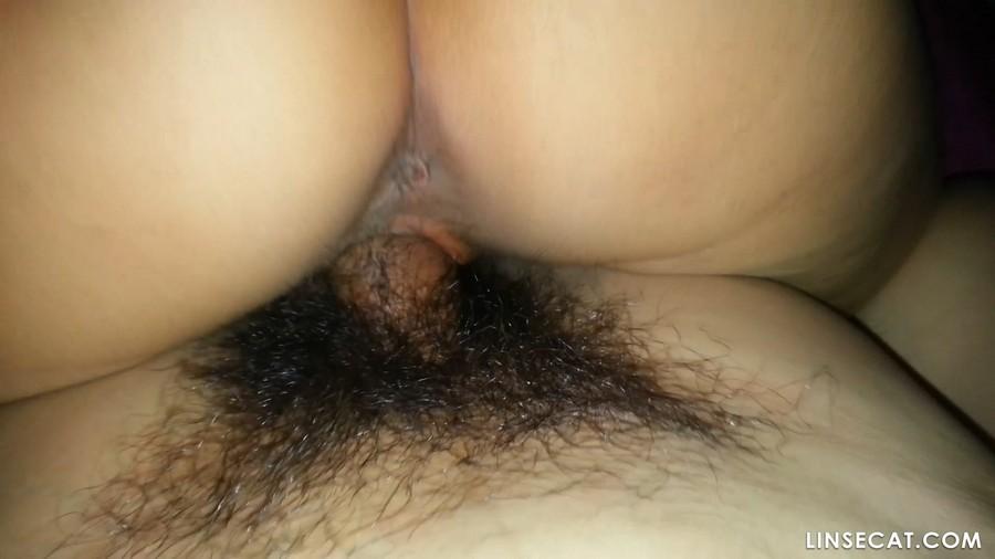 韩国年轻情侣多汁的性爱