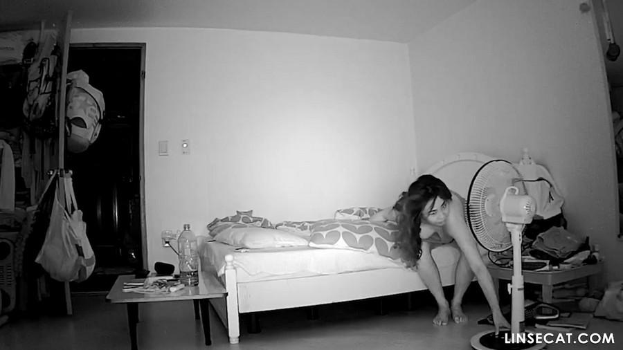 入侵(Hacking)家庭监控摄像头: 偷窥韩国女生自慰, 性高潮, 第一部分