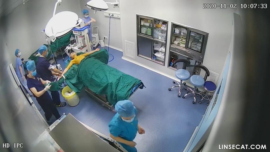 入侵(Hacking)监控摄像头: 偷窥整形手术中昏迷女人的裸体