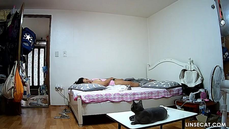 Взлом домашних камер наблюдения: вуайеристские корейские девушки мастурбируют, оргазм, часть третья